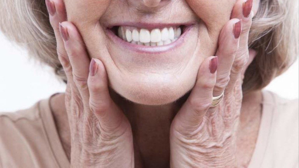 protesis-dental-mujer-1280x720